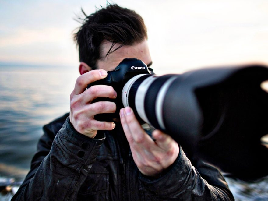 Hiring Photographer in Kuwait - Salary Rs.80000 Per Month